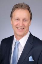 Portrait Dr. med Peter Holzschuh, Optima Klinik Dr.Holzschuh für Ästhetisch-plastische Chirurgie,Venen Chirurgie, Chirurgische Praxiskliniuk, Karlsruhe, Chirurg (Facharzt für Chirurgie)