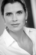 Portrait Dr. med. Bianca Knoll, Praxis Dr. med. Bianca Knoll, Frankfurt am Main, Fachärztin für Plastische und Ästhetische Chirurgie, Plastic Surgeon (Yale/Univ./ USA),Fellow of the European Board of Plastic Reconstructive and Aesthetic Surgery (EBOPRAS)