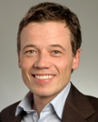 Portrait Prof. Dr. med. Dennis von Heimburg, Praxisklinik Kaiserplatz, Frankfurt am Main, Facharzt für Plastische und Ästhetische Chirurgie, Europäischer Facharzt für Plastische, Rekonstruktive und Ästhetische Chirurgie (EBOPRAS)