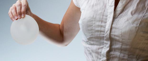 Brustvergrößerung: Runde oder anatomische Implantate?