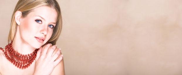 Mesotherapie und Peeling – zwei Möglichkeiten für eine makellose junge Haut